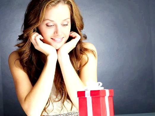 Фото - Що подарувати дівчині на 20 років?