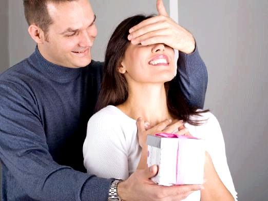 Фото - Що подарувати дівчині на 25 років?