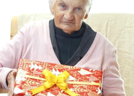 Фото - Що подарувати на 70 років?