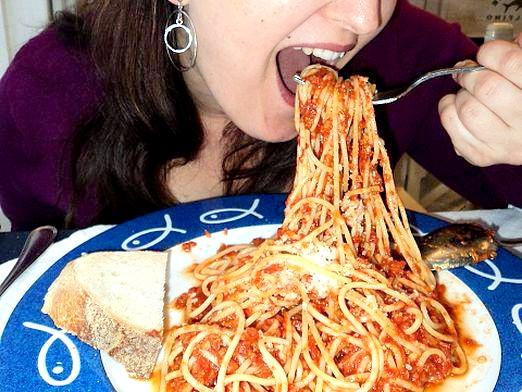 Фото - Як їсти спагетті?