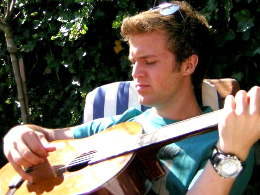 Фото - Як грати на гітарі перебором?