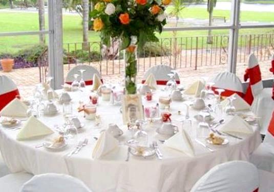Фото - Як красиво прикрасити стіл?
