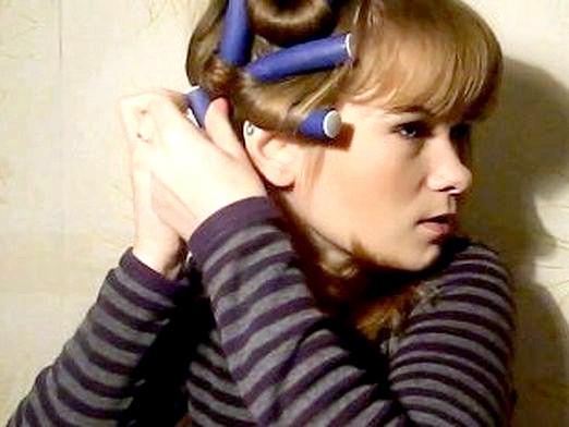 Фото - Як накрутити волосся на папільйотки?