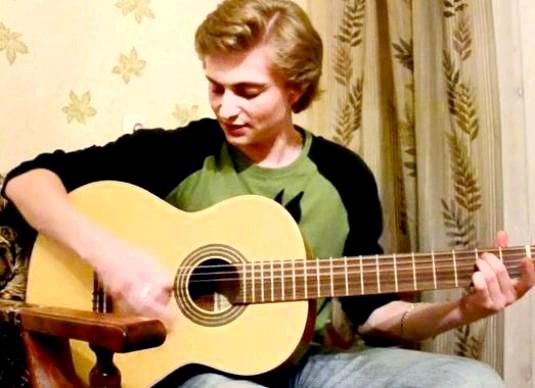 Фото - Як навчитися грати на гітарі з нуля?