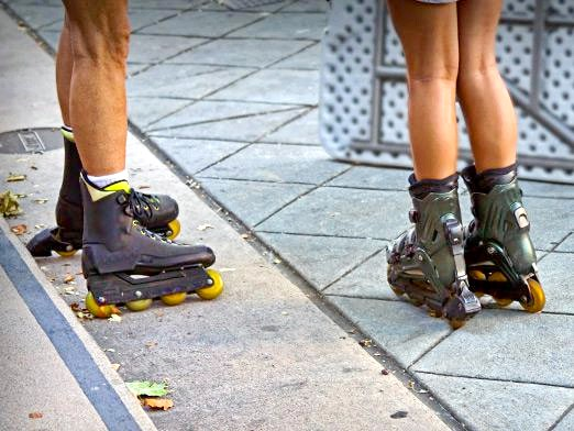 Фото - Як навчитися кататися на роликах?