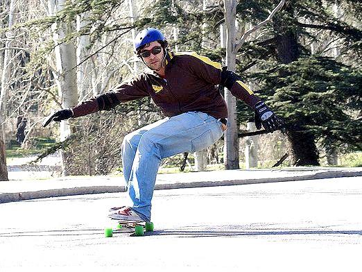 Фото - Як навчитися кататися на скейті?