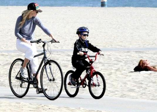 Фото - Як навчитися кататися на велосипеді?