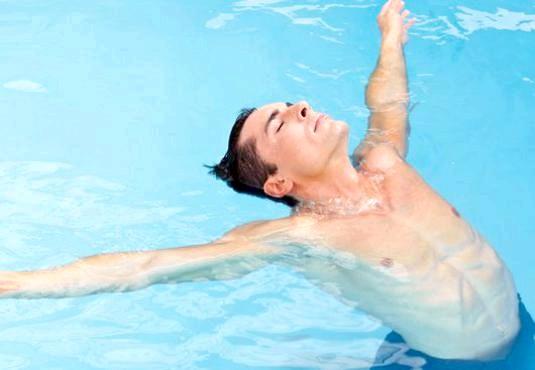 Фото - Як навчитися плавати самостійно?