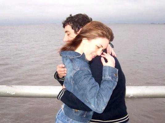 Фото - Як обіймати хлопця?