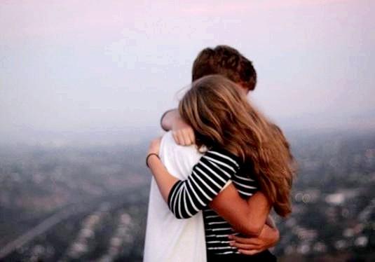 Фото - Як обійняти дівчину?