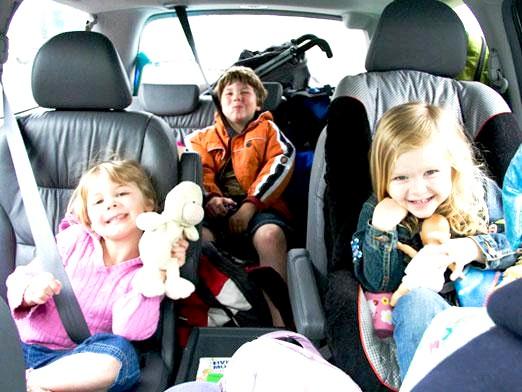 Фото - Як перевозити дитину в автомобілі?