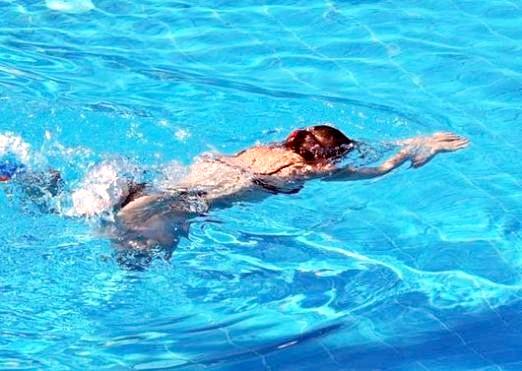 Фото - Як плавати в басейні?