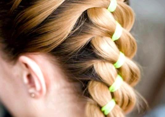 Фото - Як плести косу з стрічкою?