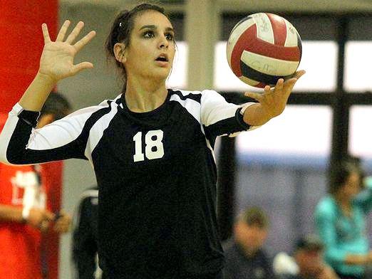 Фото - Як подавати у волейболі?