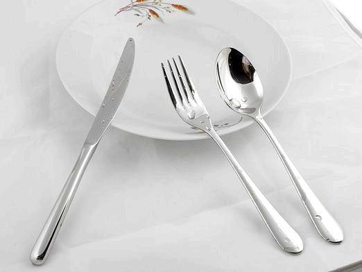 Фото - Як користуватися столовими приборами?