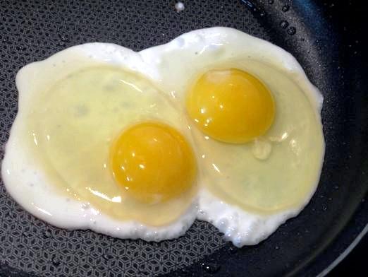 Фото - Як посмажити яйця?
