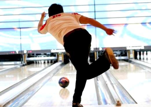Фото - Як правильно грати в боулінг?