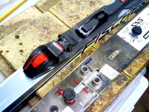 Фото - Як правильно встановити кріплення на лижі?
