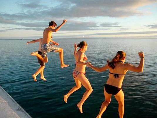 Фото - Як стрибати у воду?