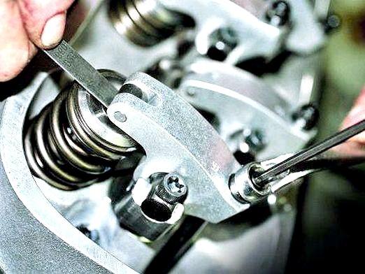 Фото - Як регулювати зазор клапанів?