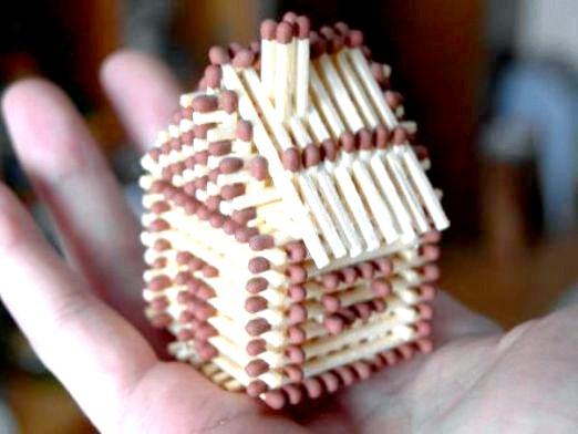 Фото - Як зробити будиночок із сірників?