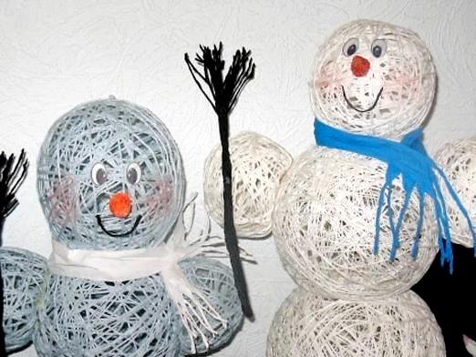 Фото - Як зробити сніговика з ниток?