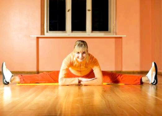 Фото - Як сісти на шпагат в домашніх умовах?