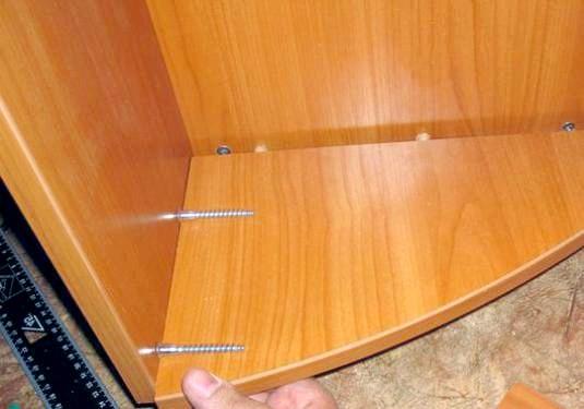 Фото - Як зібрати шафу своїми руками?