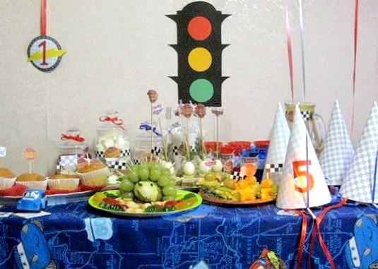 Фото - Як прикрасити дітям стіл?
