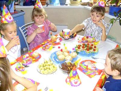 Фото - Прикрасити стіл дітям
