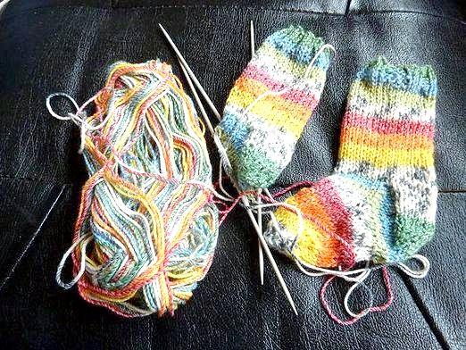 Фото - Як в'язати дитячі шкарпетки?