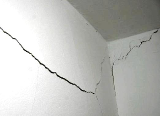 Фото - Як закрити тріщину в стіні?