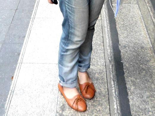 Фото - Яке взуття носити з джинсами?