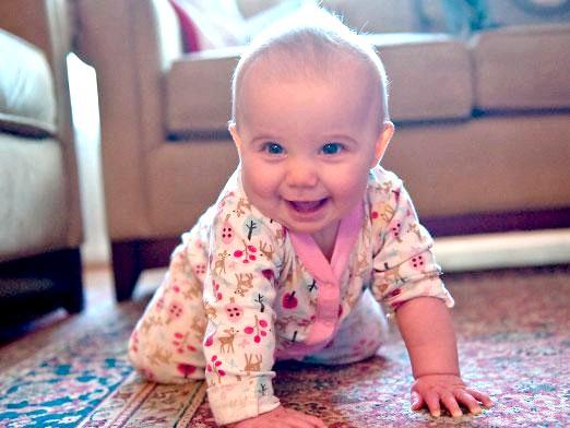 Фото - Коли починає повзати дитина?