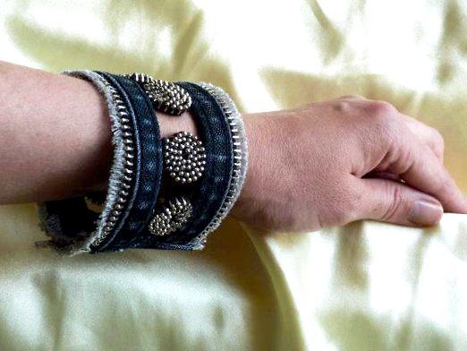 Фото - На якій руці носять браслет?
