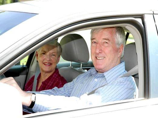 Фото - Чи платять пенсіонери транспортний податок?