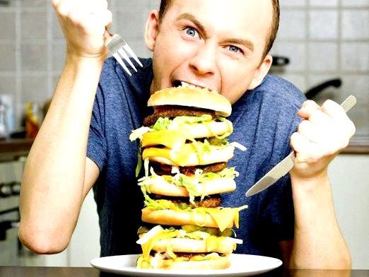 Фото - Чому не можна багато їсти?