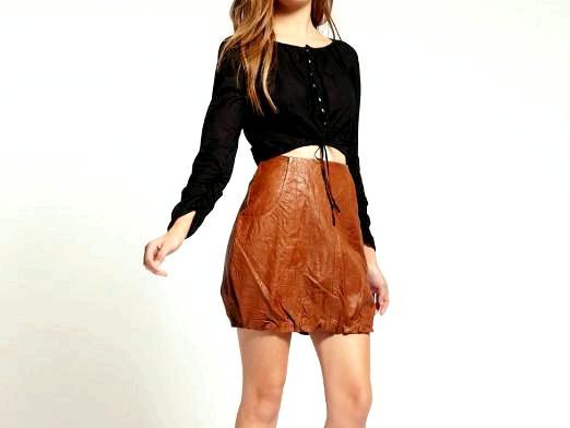 Фото - З чим носити коричневу спідницю?
