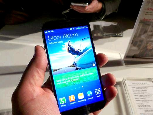 Фото - Samsung Galaxy: який краще?