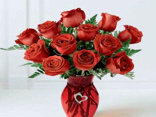 Фото - У яку воду ставити троянди?
