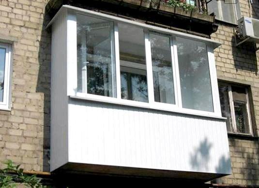 Фото - Навіщо потрібен балкон?