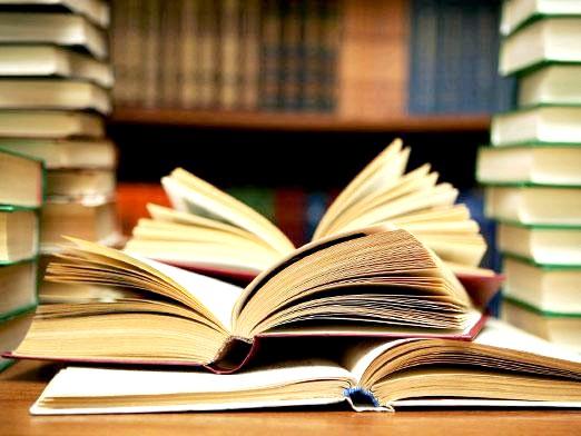 Фото - Навіщо потрібні книги?
