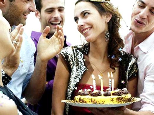 Фото - Що подарувати на день народження дівчині?