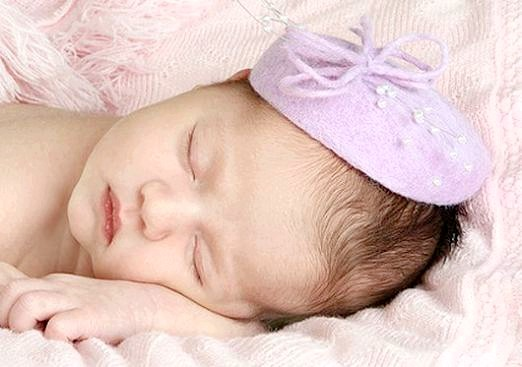 Фото - Що подарувати на народження доньки?
