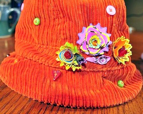 Фото - Як прикрасити шапку