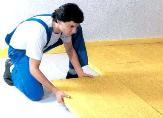 Фото - Як утеплити підлогу в будинку?