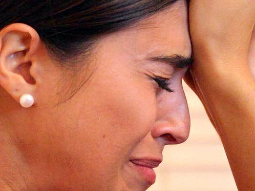 Фото - Чому мама плаче?