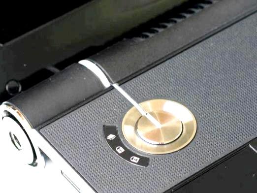 Фото - Чому не включається ноутбук?