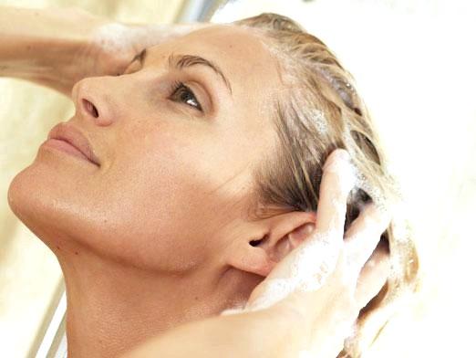 Фото - Чим мити голову замість шампуню?