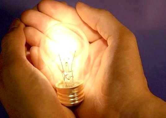 Фото - Чому горить лампочка?
